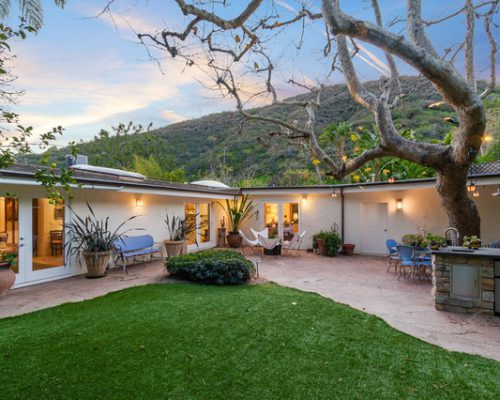 3328 Mandeville Canyon Rd., Brentwood, CA 90049